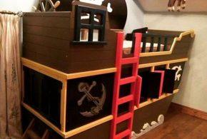 Детская в виде корабля det62506по индивидуальным размерам на заказ, материалы из лдсп мдф расцветка — красный разноцвет коричневый черный интернет магазине mebelblok.ru