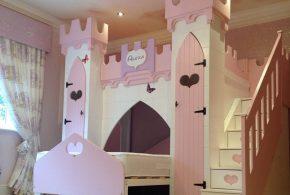 Детская в виде замка det53056 по индивидуальным размерам на заказ, материалы из лдсп мдф расцветка — бежевый розовый интернет магазине mebelblok.ru