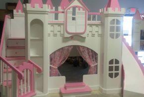 Детская в виде замка det41484 по индивидуальным размерам на заказ, материалы из лдсп мдф расцветка — белый розовый интернет магазине mebelblok.ru