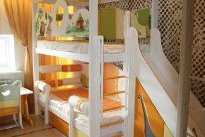 Детская в виде домика det69969 по индивидуальным размерам на заказ, материалы из лдсп мдф расцветка — оранжевый жёлтый белый интернет магазине mebelblok.ru