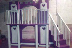 Детская в виде замка det20829 по индивидуальным размерам на заказ, материалы из лдсп мдф расцветка — фиолетовый белый интернет магазине mebelblok.ru
